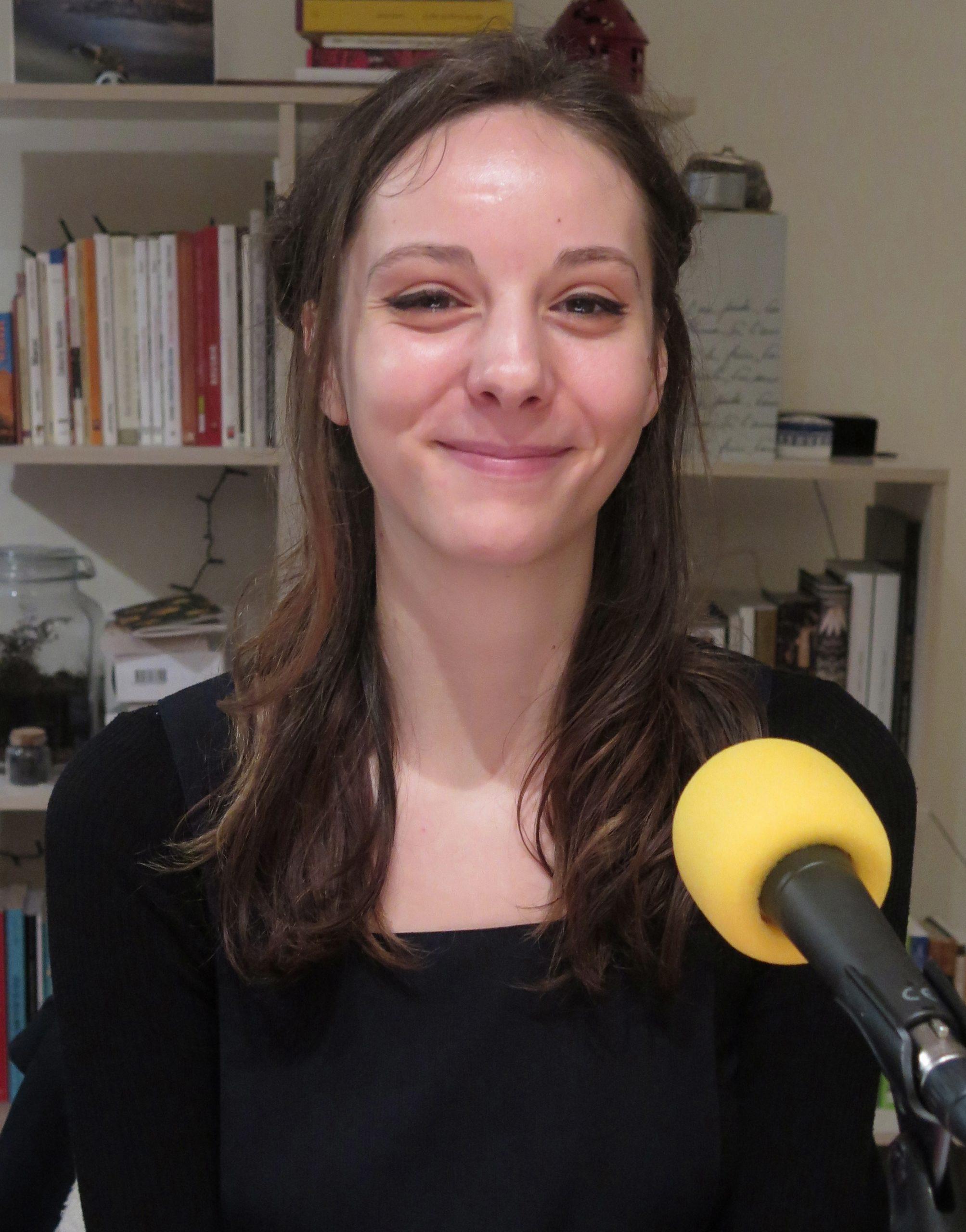Héléna Lagréou au micro de Passion Médiévistes