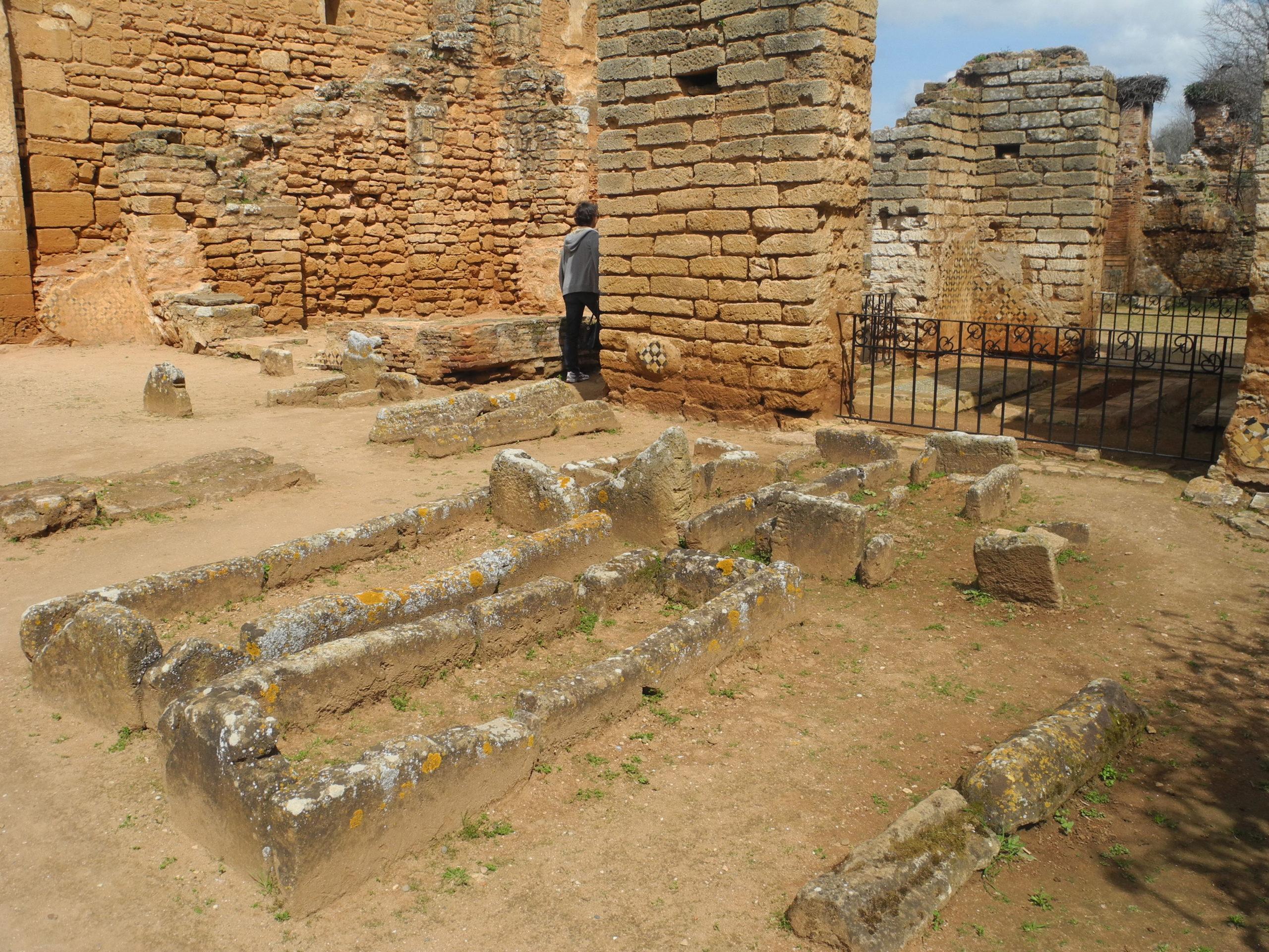 Restes de tombes de la dynastie mérinide au Chellah de Rabat (© Fanny Cohen Moreau)