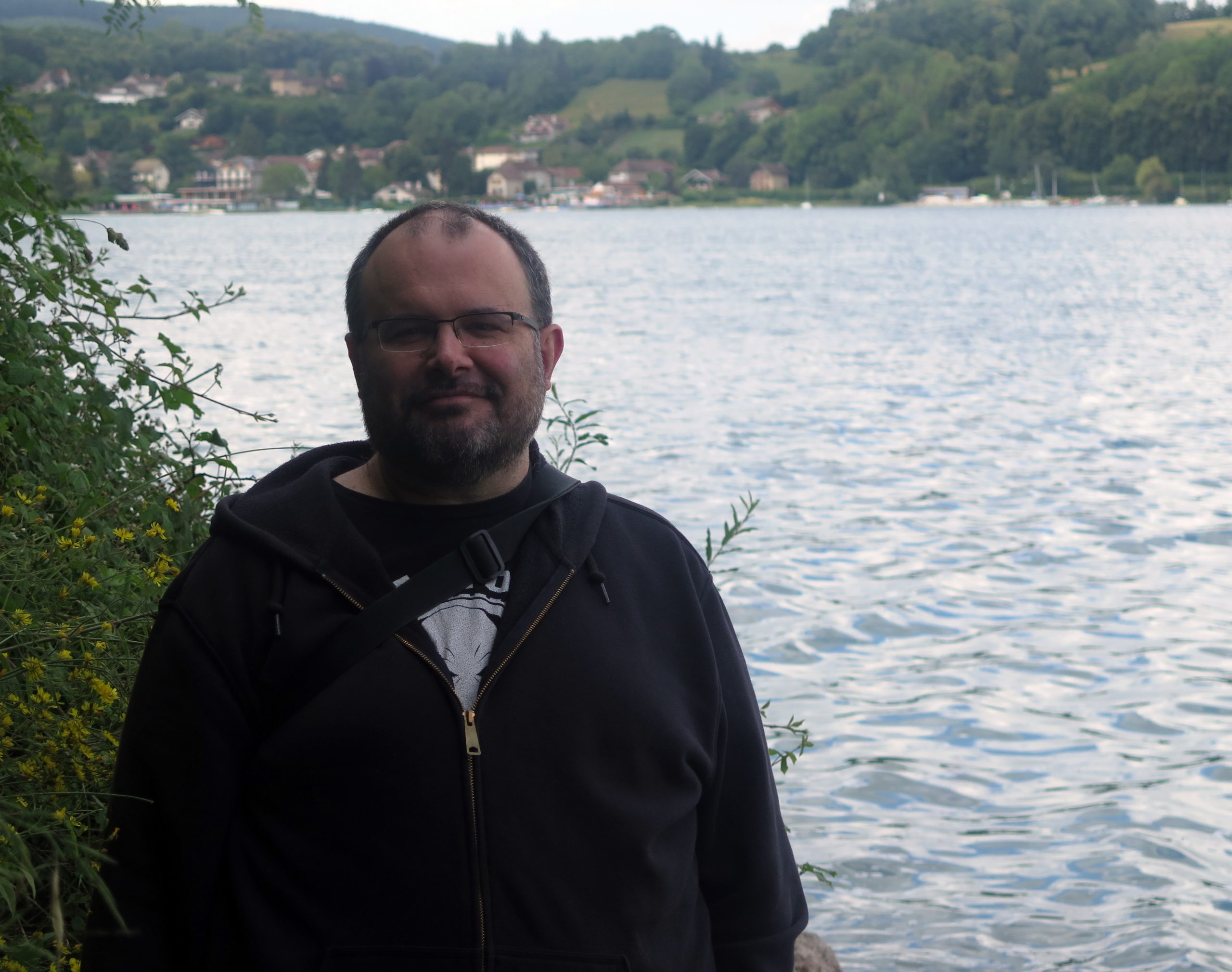 Josselin Derbier sur les bords du lac de Paladru