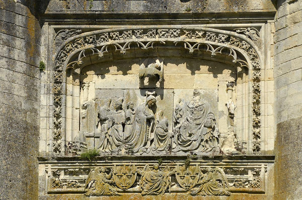 Bas-relief intitulé le couronnement de la Vierge du château de La Ferté Milon