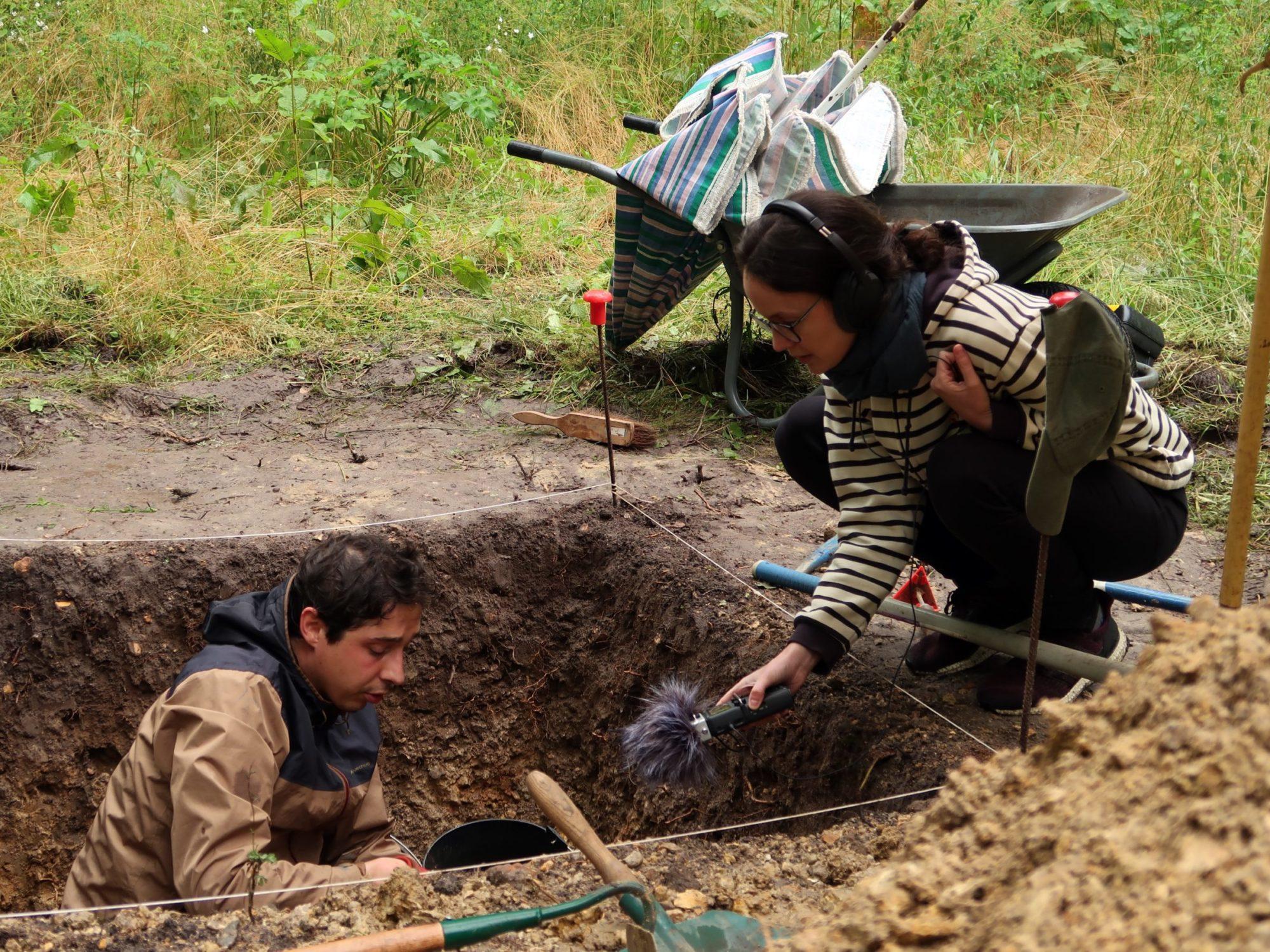 Ogier dans le secteur isolé au micro de Fanny Cohen Moreau